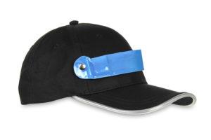 Czapka baseballówka z niebieskim LED wokół daszka