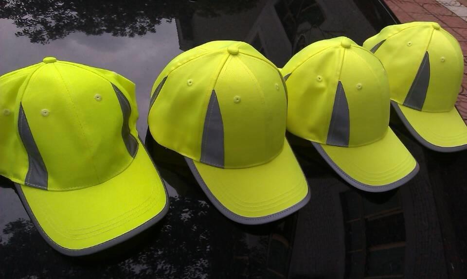 Żółte czapki odblaskowe MIKI dla dzieci