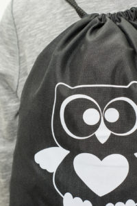 Czarny worek z odblaskowym nadrukiem OWL