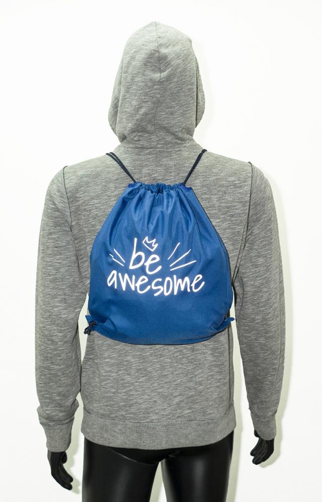 Niebieski worek z odblaskowym nadrukiem BE AWSOME